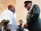 Manmohan Singh asks Antony not to complicate Army Chief age issue