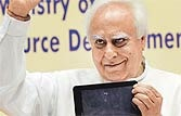 Sibal's cheap Aakash proves to be a dud