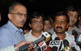 Polls: Team Anna won't target any party