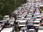 Agra doctor seeks car 'quota' to curb pollution and jams