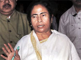 Cong woos SP to cut troublesome Mamata to size