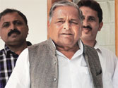 Samajwadi Party chief Mulayam Singh Yadav crushes Congress and 'Third Front' alliance hopes
