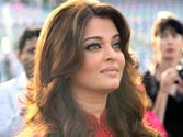 Aishwarya Rai and Beti B in Dubai, see pics