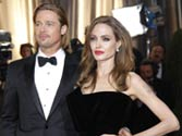 Jolie, Pitt engagement fuels media frenzy