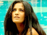 Strip queen Poonam Pandey a compulsive liar?