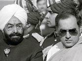 Rajiv Gandhi remembered on death anniversary