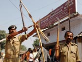 Guards at Jharkhand banks have bows and arrows to fight Naxals