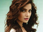 Hottie Bipasha Basu turns 'Bitch-y'