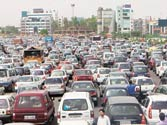 Government mulls shifting of Delhi-Gurgaon toll gate to ease traffic
