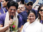 Mamata appeals to Deshmukh to reconsider MCA ban on SRK, yet again