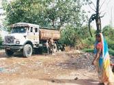 Official, tanker mafia nexus worsen Delhi's water crisis