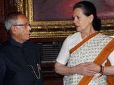 Presidential polls: Pranab meets Sonia