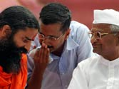 Anna, Ramdev unite for fight against corruption, Kejriwal differs with Baba on attacking PM