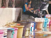 Parched Delhiites resort to stealing to quench thirst