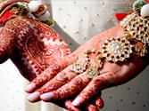 More Indian women marrying before turning 25: Survey