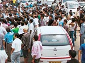 Gurgaon residents block roads over power and water shortage