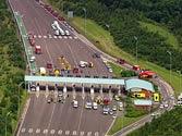 Armed police shut down London motorway after terror alert