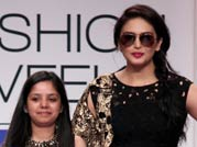 GOW actress Huma puts her best foot forward at LFW