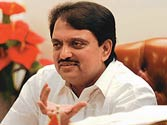 Vilasrao Deshmukh critical, family forbids health bulletin