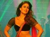 Kareena Kapoor mobbed at the launch of Heroine music!