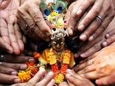 Janmashtami being celebrated today, devotees throng Mathura, Vrindavan