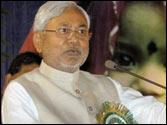 Nitish backs Advani's blog musings on 2014 polls