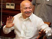 Sushil Kumar Shinde greeted with blasts after TV talk on tackling terror