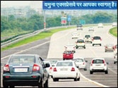 Five dead as truck turns turtle on Yamuna Expressway