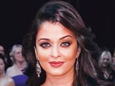Curvaceous Aishwarya turns goddess for jewellery brand