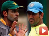 MS Dhoni and Mohammad Hafeez