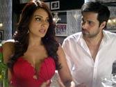 Emraan effortless actor, says Bipasha Basu
