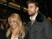 Shakira confirms pregnancy, expecting her first child