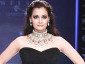 Dia Mirza debuts in Bengali films with Paanch Adhyay