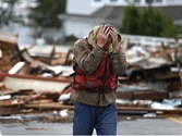 New York wakes up to morning after Superstorm Sandy amidst death and darkness, 39 dead across US