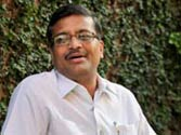 Govt notes prove Robert Vadra's land deals were reason behind Ashok Khemka's transfer