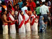 People throng river banks as four-day Chhath festival begins