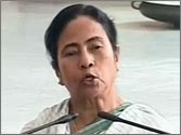 Mamata swallows pride, asks Left to engineer no-trust vote against UPA