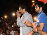 Bal Thackeray remains critical; not lost hope, says son Uddhav Thackeray