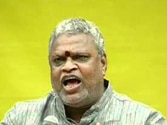 Senior TDP leader and former Union minister Yerran Naidu dies in a road accident in Andhra Pradesh