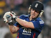 Second T20, Mumbai: Captain Morgan seals England's six-wicket win with a six, series drawn 1-1