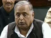 Mulayam advises UPA to drop plans of implementing FDI in retail, says it will lead to massive unemployment