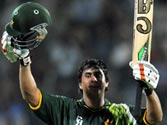 Jamshed anchors Pakistan to six-wicket victory in first ODI with unbeaten 101, lead series 1-0