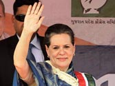 Congress intensifies campaign against Narendra Modi, Sonia Gandhi to address two more rallies in Gujarat today