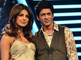And the chemistry grows, now SRK wants 'Happy New Year' with Priyanka!