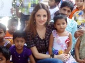 Sussanne Roshan celebrates Christmas with orphans
