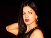 Murder 3 babes Aditi, Sara can't stand each other?