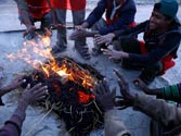 Cold wave continues to grip north India, toll reaches 92 in Uttar Pradesh