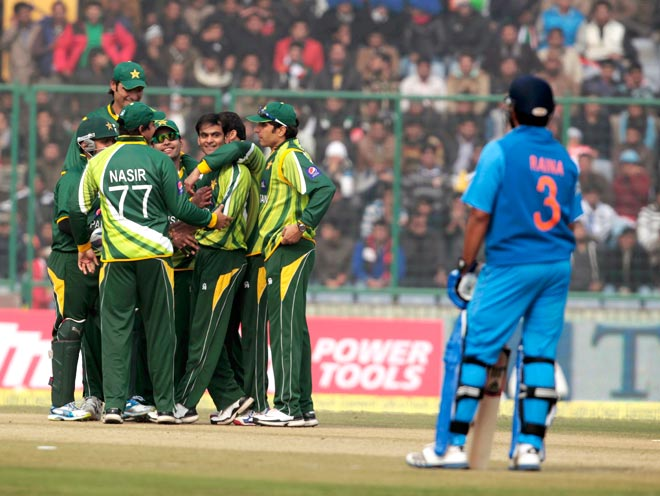 Pak deliberately lost 3rd ODI against India, claims ex-cricketer Paul Nixon  - Cricket News