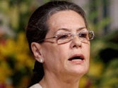 Sonia assures Anna on tabling Lokpal Bill in Budget Session