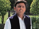 Akhilesh Yadav inducts 12 new ministers in UP government